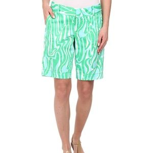 Lilly Pulitzer Chipper Short in Finders Keepers
